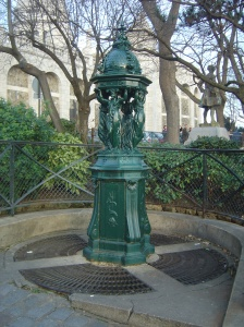 Fuente Wallece en Paris